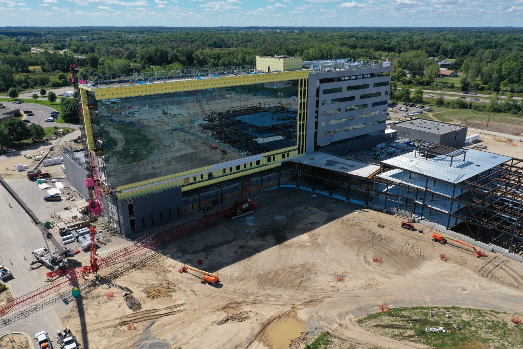 Picture of the new McLaren Greater Lansing Health Care Campus to add context.